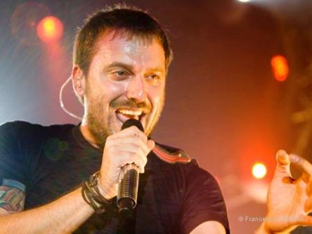 musica,hit parade,grandi successi,dischi 2012,canzoni,classifica dischi,successi novembre  2012,radio,fm,radio fm faleria,top ten,tiziano ferro,troppo buono