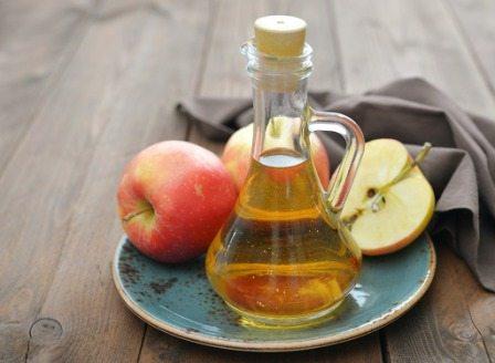 Aceto di mele proprietà e usi, benessere e pulizia naturali